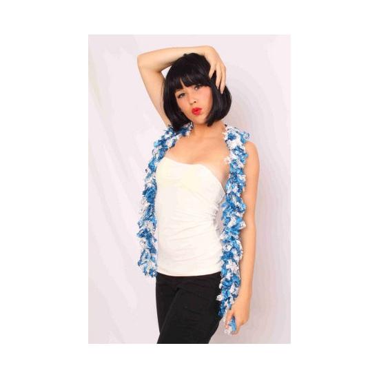 Blauw met witte boa sjaal