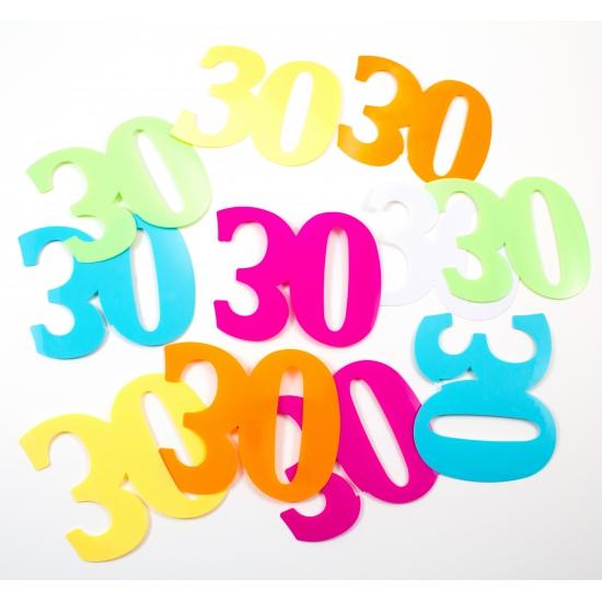 Mega confetti 30 jaar versiering