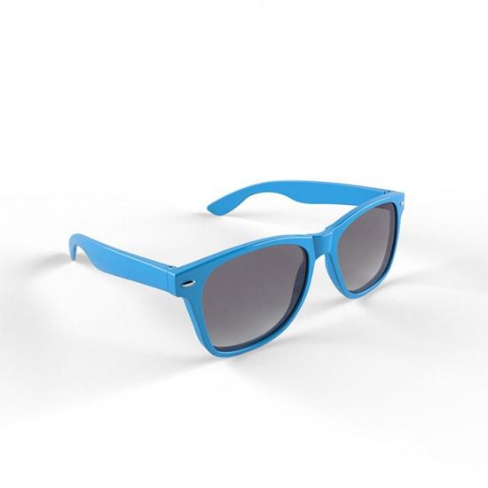 Trendy lichtblauw montuur zonnebril
