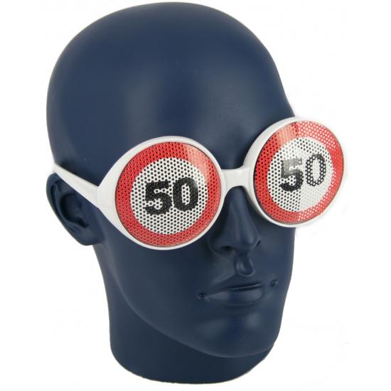 Verjaardagbril met 50 verkeersbord