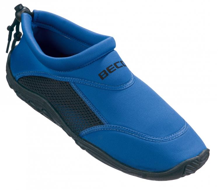 Waterschoen blauw met anti slip zool