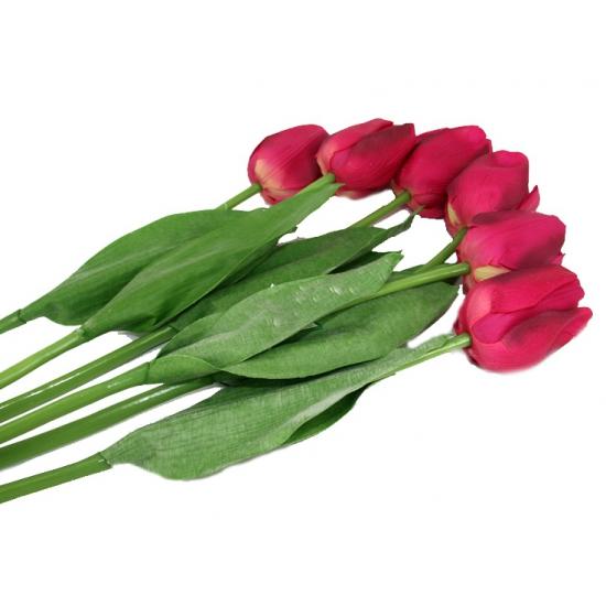 Zes roze namaak tulpen
