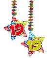 Hangdecoratie sterren 19 jaar
