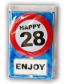 Happy birthday kaart met button 28 jaar