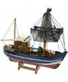 Miniatuur vissersboot netten omhoog 24 cm