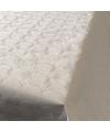 Wit papieren tafelkleed op rol