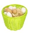 Groen paasmandje met plastic kwartel eieren 14cm